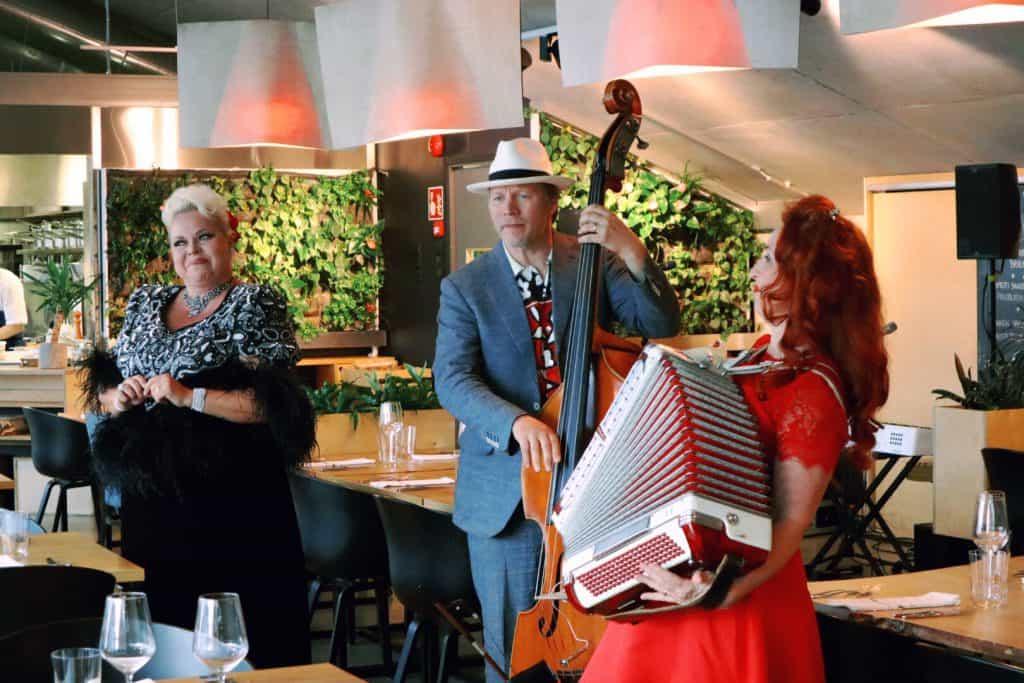 Johanna Rusanen ja Tessa Virta Duo Show & Dinner Sinne 26.6.19