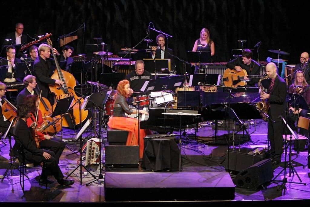 Tessa Virta ja Jyväskylä Sinfonia Savoy 2011